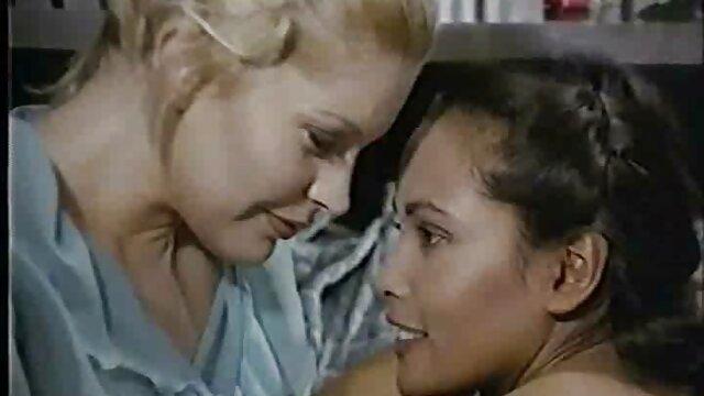 ماريانا الهيجان كان يعامل مع نائب الرئيس لمدة احسن افلام سكس اجنبي خمس ساعات