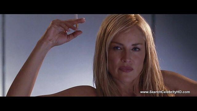 اثنين من مثليات تحميل افلام سكس اجنبية مع عناصر BDSM